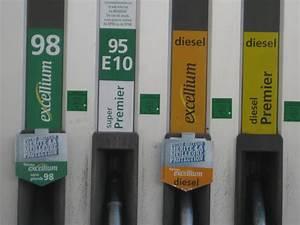 Pompe A Essence : l essence la pompe moins ch re qu il y a 30 ans l ~ Dallasstarsshop.com Idées de Décoration