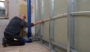 badezimmer selber renovieren bad renovieren schritt 1 die abwasserrohre verlegen selber machen heimwerkermagazin