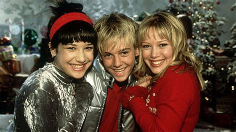 aaron carter christmas every question i still have about lizzie mcguire s iconic