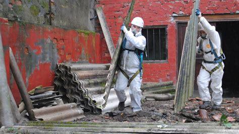 azbest kam  nebezpecnym stavebnim odpadem estavcz