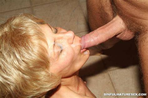 Granny Likes Blowjobs