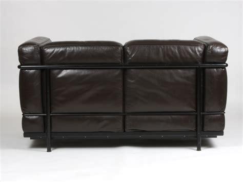 cassina canape cassina le corbusier sofa lc2 armchair by le corbusier