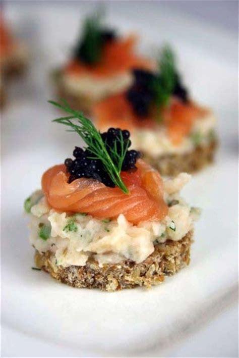 recette canapé saumon scrumpdillyicious salmon caviar cannellini bean canapés