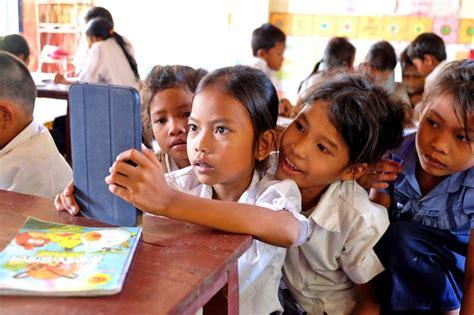 southeast asia globe   digital revolution