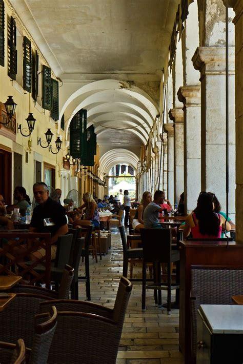 Παράγγειλε online εύκολα και γρήγορα από το σπίτι τον αγαπημένο σου καφέ! Coffee at Liston by Vasileios Karakasis on 500px ...