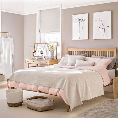 Pink Bedroom by Pale Pink Bedroom With Wooden Furniture And Woven