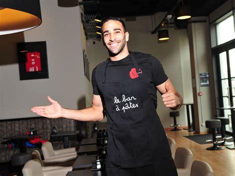 adil rami lance restaurant quot le bar 224 p 226 tes quot 224 lille sportbuzzbusiness fr