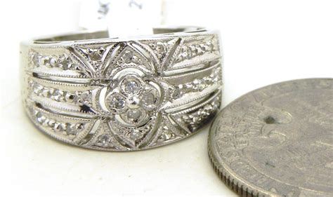 ladies  white gold diamond filigree band ring