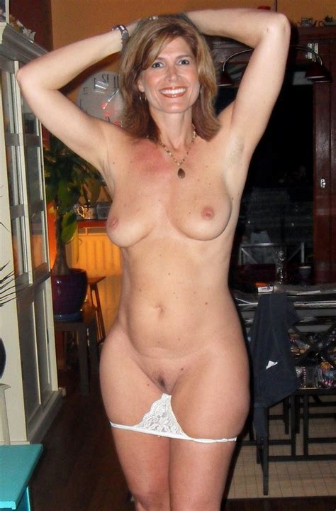 Amateur Mom Shows Her Body Mature Hot Sex