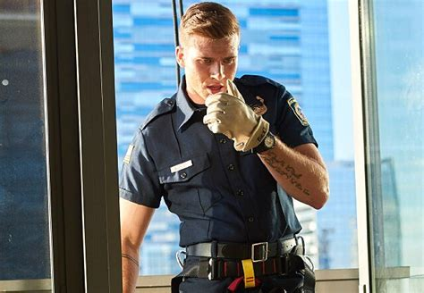 oliver stark 911 fox oliver stark on prepping to play a first responder on fox