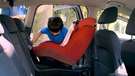 2way pearl le nouveau siège auto i size de bébé confort