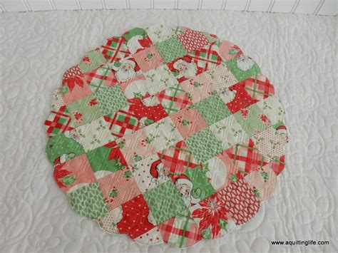 christmas table decor  quilting life  quilt blog