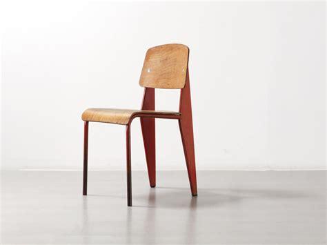 icone de bureau histoire de design chaise métropole n 305 jean prouvé 1934