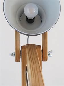 Lampe Suspension Ikea : une lampe de sol mante religieuse bidouilles ikea ~ Teatrodelosmanantiales.com Idées de Décoration