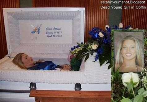 29 photos of celebrities in their coffins. Beautiful Girls in Their Coffins - Section 3