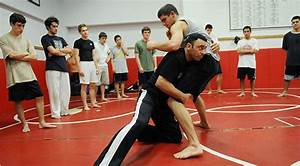 Mixed Martial Arts Makes Its Way to High School - NYTimes.com