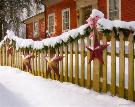 decorate  fence  christmas