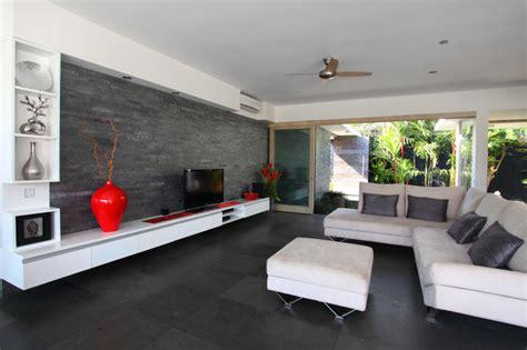 Schwarze Wändemodernes Wohnzimmer Design In Weißschwarz