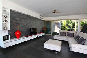 Schwarze w nde modernes wohnzimmer design in wei schwarz for Modernes wohnzimmer design
