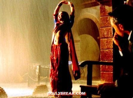 poll   bollywoods hottest rain song bollybreak