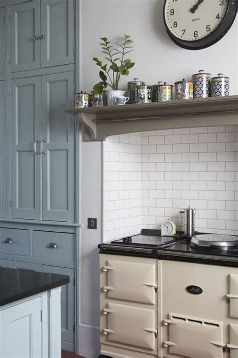 Mixing victorian era pieces with modern elements is one of the easiest ways to create a lavish yet cozy. Modern Victorian Kitchen Design - Decoration Channel