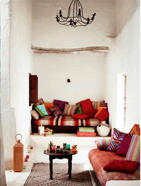 comment amenager cuisine le canapé marocain qui va bien avec votre salon