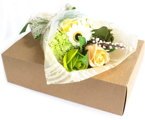 bloemen in box zeep bloemen boeket groen in box 5055796531622 prijs