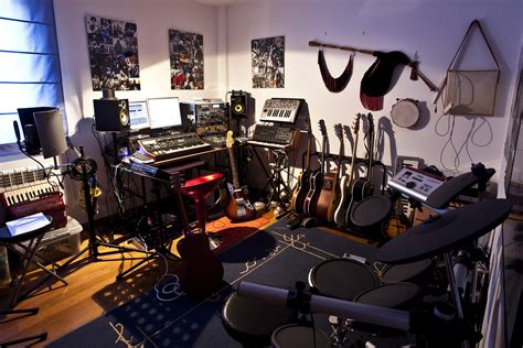 Home Recording Studio : Home Studio Essentials For Songwriters On A Budget