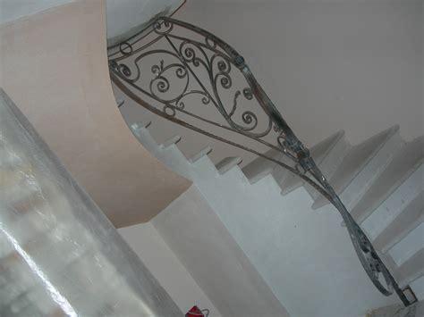 corrimano in ferro battuto per scale fabbro lavorazioni per interni dega s r l