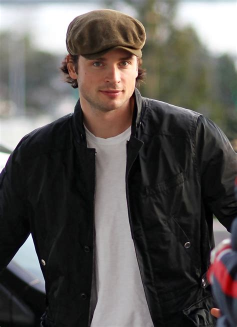 tom cullen vancouver tom welling photos photos tom welling at yvr zimbio