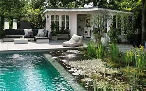 schwimmteich im garten so bauen sie ein biotop zum bahnen With französischer balkon mit pool im eigenen garten