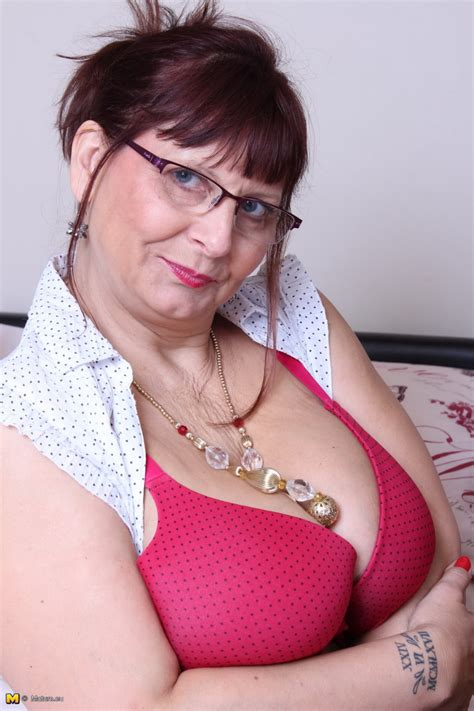 Big Breasted British Mature Slut Getting Naughty Pichunter