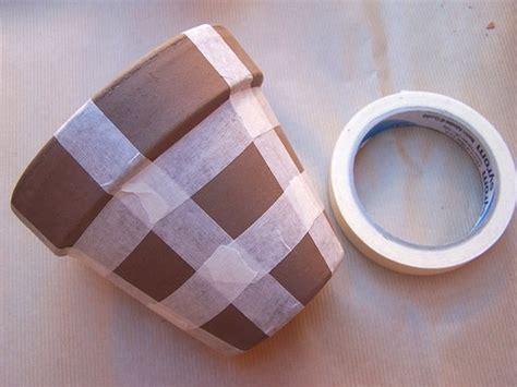 dipingere vasi di terracotta decorare i vasi di terracotta per cambiare look al