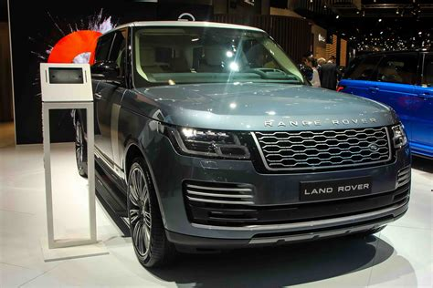 range rover autobiography 2018 range rover autobiography debuts in the middle east