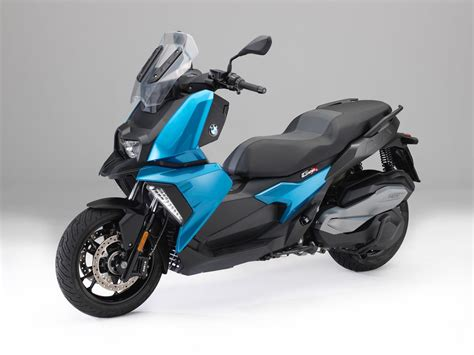 Bmw Moped by 2018 Bmw C 400 X Scooter Look 10 Fast Facts