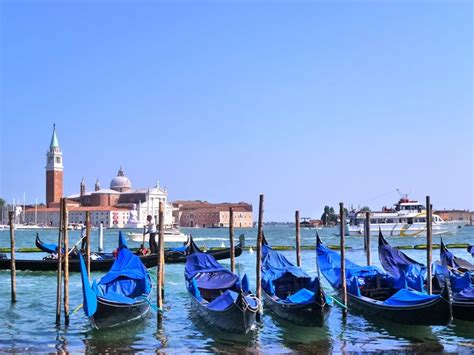 Boat Prices In Venice by Gondola Ride Venice Italy Book Gondola Gondola