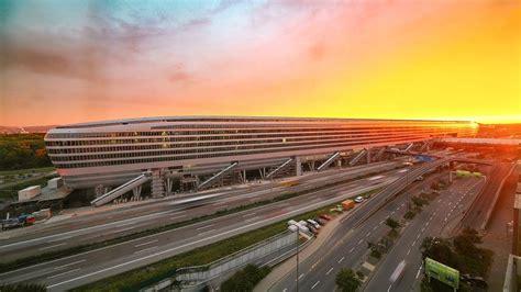 frankfurt airport time lapse squaire largest office building