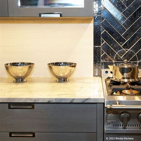 how to do a kitchen backsplash molten serving bowls line the countertop in the bilotta 8635