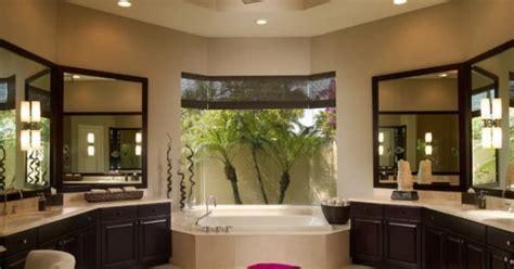 octagon shape bathroom  plenty  counter space
