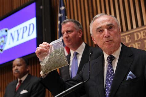 Ņujorkā vairs nearestēs par neliela marihuānas daudzuma glabāšanu - Puaro.lv