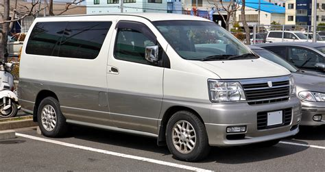 Nissan Elgrand Image by Nissan Elgrand