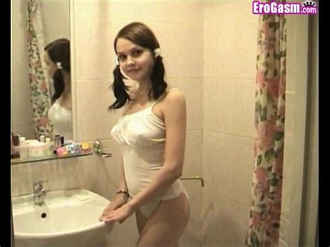 Pretty Hot Girl Shows Boobs Xvideos Com