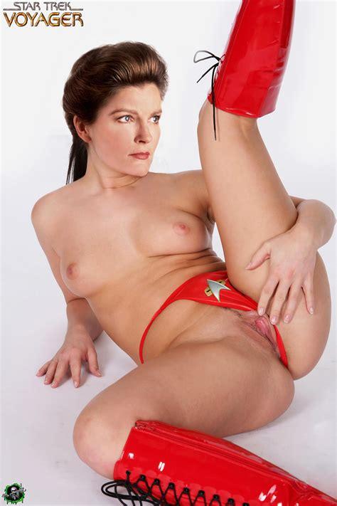 Kate Mulgrew Nude Fakes Porno Photos