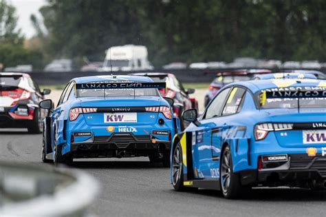Lynk & Co Cyan Racing salvages points from tough WTCR ...
