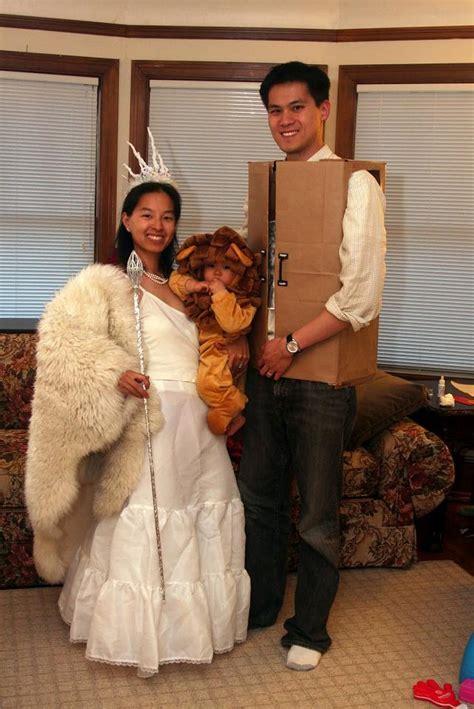 super crafty costume contest  final field