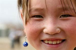Pictures of Mongolian women ( beautiful, blue eyes, red ...