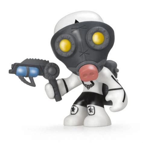 mutant busters personaggi    massa giocattoli
