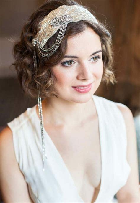 coiffure mariage cheveux courts accessoirisez  souriez