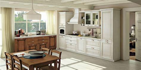 catalogo mobil discount cucina creo kitchens lube cucine classica con anta in