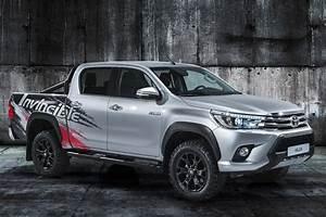 Toyota Hilux 2017 : toyota hilux invincible 50 2017 un concept pour les 50 ans du pick up ~ Accommodationitalianriviera.info Avis de Voitures